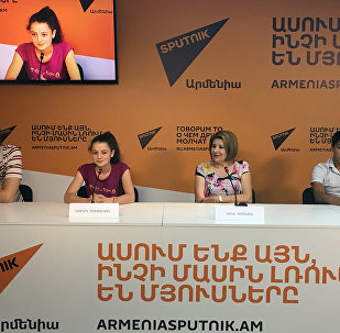 Сона Симонян, Астхик Мхитарян и Ованнес Айвазян