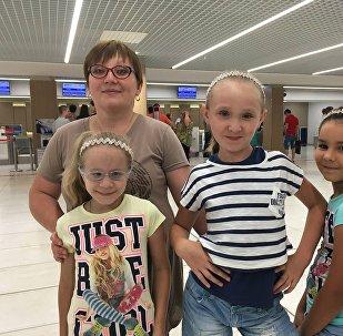 Участницы Ты Супер! Танцы в аэропорту Кишинева